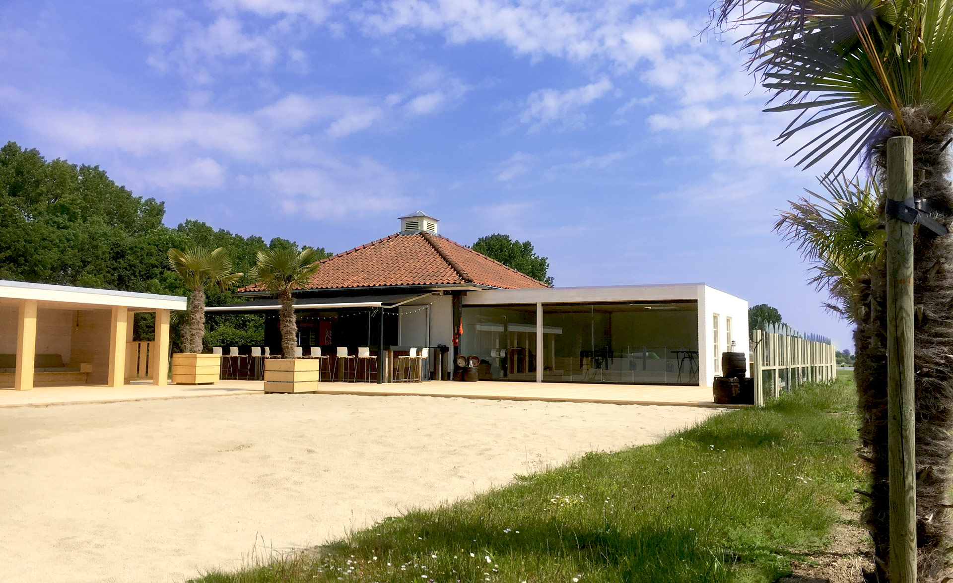 Area-X-De-Weerd-Roermond-Beachclub-Palm-Beach-4b